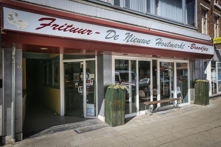 Frituur De Nieuwe Houtmarkt in Sint-Truiden.