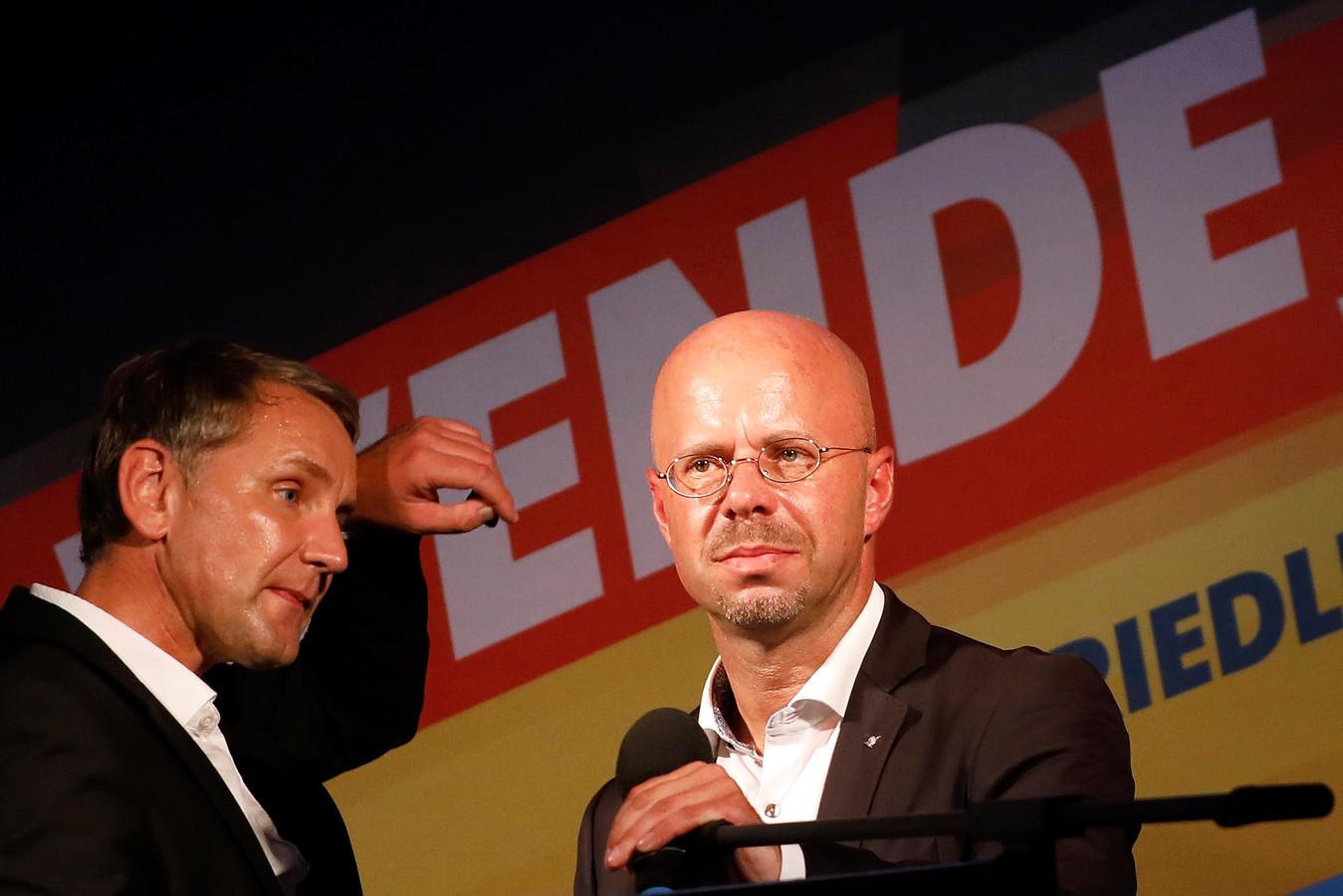 Andreas Kalbitz (r) met naast hem AfD-boegbeeld Björn Höcke.