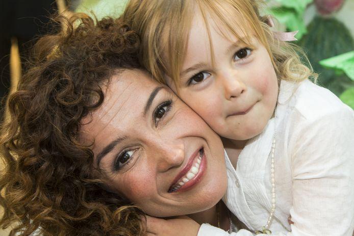 Katja en Thijs wonen apart maar blijven voor hun dochtertje Sammie zorgen.