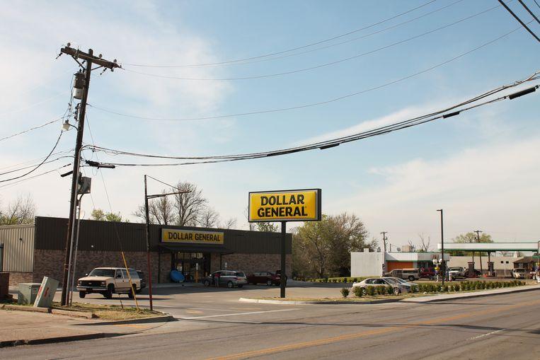 Een dollar store in Noord-Tulsa. Dollar General is na Starbucks nu de meest wijdverbreide keten van de VS.  Beeld Seije Slager