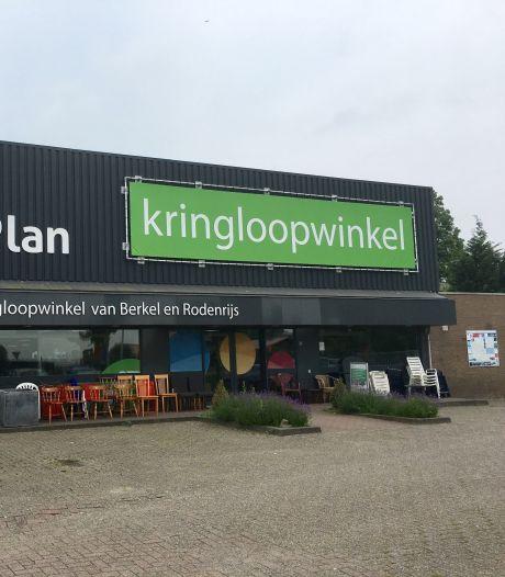 Afgebrande kringloopwinkel RataPlan in Berkel gaat verder aan de Industrieweg