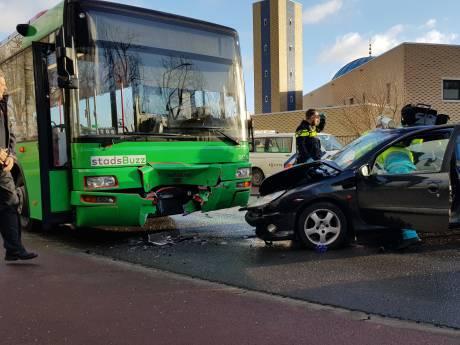 Zwaargewonde (50) bij ongeval in Dordrecht: bestuurder had mogelijk gedronken