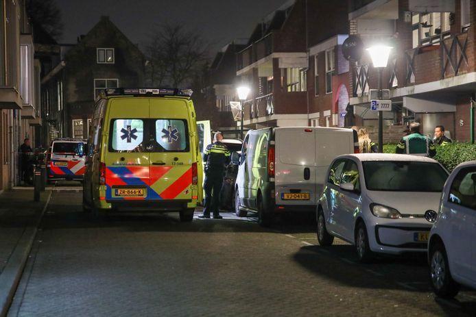 De ambulance kwam nog wel naar de Boomgaardstraat maar medische hulp mocht niet meer baten.