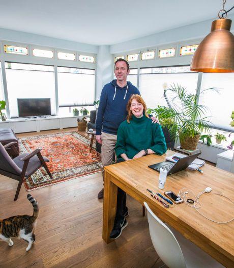 Terry en Dieuwke van Strien verkopen hoekwoning voor muzikale koper: 'Was van bekende jazzpianist'