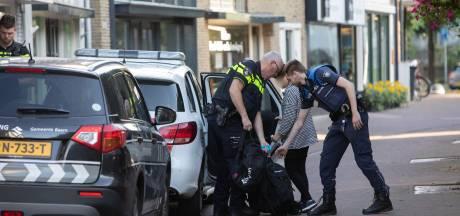 Politie en gemeente controleren meerdere zaken in Baarn, één aanhouding verricht