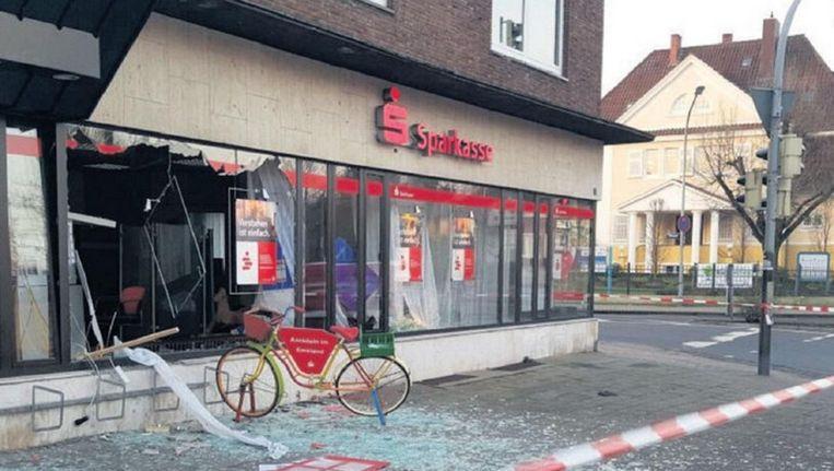 Bank in Meppen (Duitsland) waar in maart een plofkraak door de Audi-bende is uitgevoerd. Beeld epa