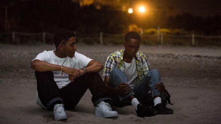 Ashton Sanders (Kevin) en Jharrel Jerome (Chiron) in 'Moonlight'.  Beeld rv