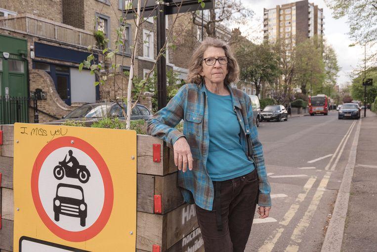 Clair Battaglino is een Londense die zich verzet tegen Khans beleid van autoluwe wijken. Volgens haar stuurt dat de drukte naar straten waar armere mensen wonen. Beeld Carlotta Cardana