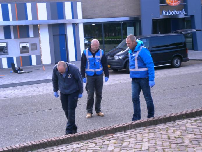 Onderzoek van de politie ter plekke. Foto: Dik van Herwaarden