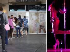 Un club de strip-tease de Las Vegas offre un lap dance en échange d'une vaccination