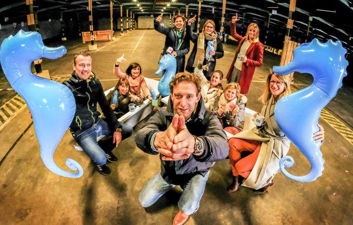 Het personeel van het Kortrijkse sanitairbedrijf Van Marcke organiseert in het kader van de Warmste Week een grootschalig lasershoot-evenement op de oude Van Marcke-site op de Pottelberg.
