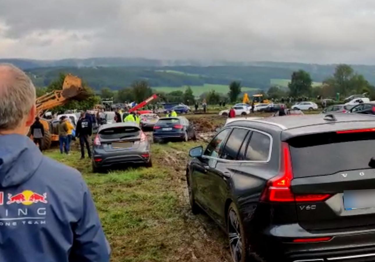 C'était le chaos sur certains parkings du circuit ce samedi.