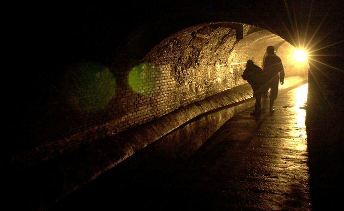 Een bezoek aan De Grebbe in Bergen op Zoom is wandelen terug in de tijd. Honderden meters onder de historische binnenstad.