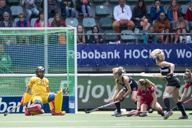 Aisling D'Hooghe speelt een sterk toernooi in de goal van de Red Panthers Beeld PHOTO_NEWS