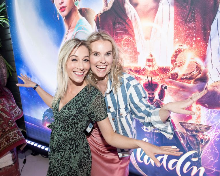 Ianthe Tavernier en Helle Vanderheyden op de première van 'Aladdin'
