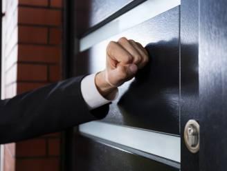 Waarom u uw deur beter stevig toehoudt voor huis-aan-huisverkopers van energiecontracten