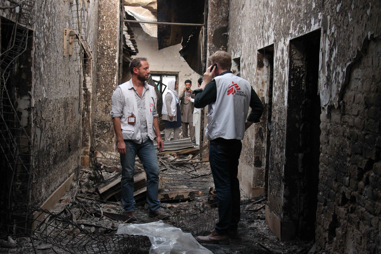 Oktober 2015, Kunduz, Afghanistan, het ziekenhuis van Artsen zonder Grenzen is totaal verwoest na bombardementen door de Amerikaanse luchtmacht: 42 patiënten en hulpverleners kwamen om het leven. Beeld Waqif Nasirahmad / Demotix