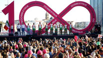 Opschudding aan vooravond Giro: twee Italiaanse renners betrapt op doping