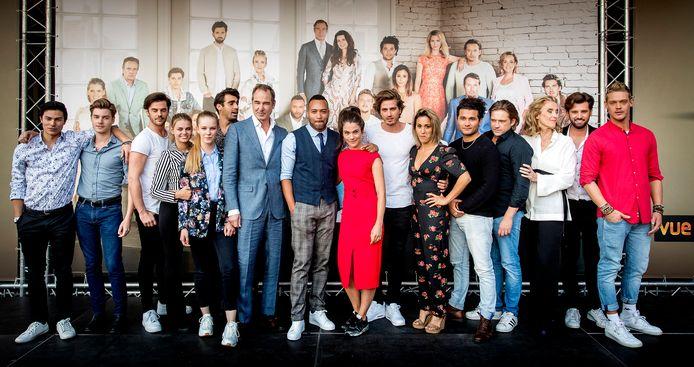 Cast van GTST.