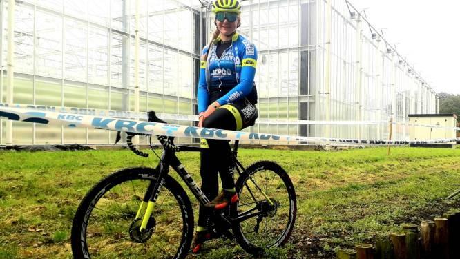 "Wereldkampioene Zoë Bäckstedt verschijnt plots op parcours Tomatencross: ""Voorbereiding op Wereldbeker en Superprestige komend weekend"""