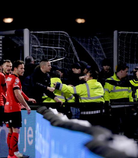 Elf aanhoudingen na rellen bij FC Eindhoven - Helmond Sport