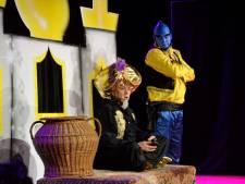 Raymond van Barneveld én lokaal talent vermaken tijdens Dolle Avonden in Vinkel