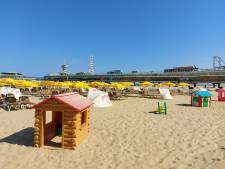 Een snikhete stranddag, maar het water aan de Scheveningse kust is behoorlijk koud