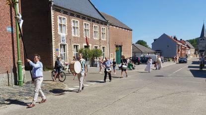 Sint-Ermelindisprocessie in coronatijd: zes deelnemers aan de processie