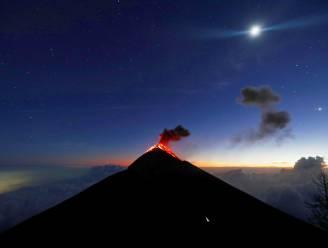Vulkaan in Guatemala barst uit, voorlopig wordt er niet tot evacuatie overgegaan