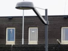Vreemdelingen keren zich tegen personeel detentiecentrum