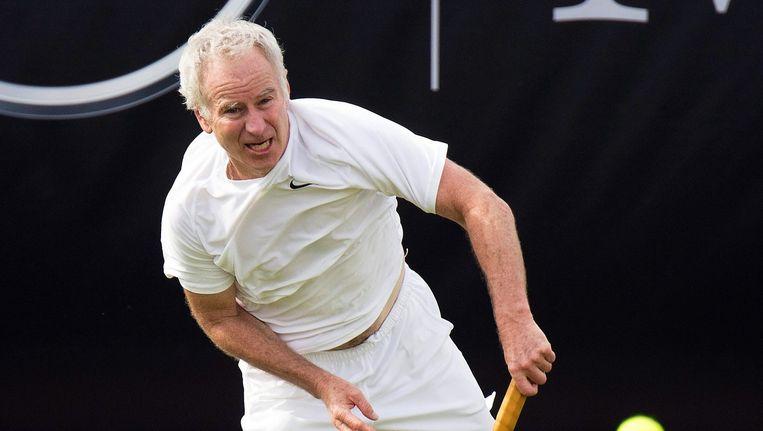 We kennen John McEnroe vooral als een excentriekeling op het veld, maar ook naast het veld deed de Amerikaan al eens gek... Beeld EPA