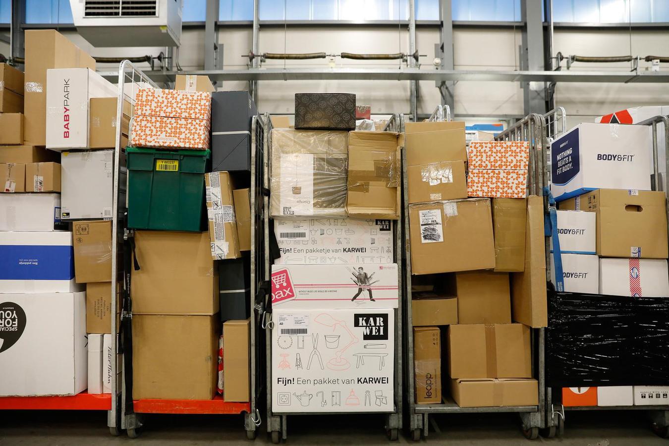 Per dag worden nu al 40.000 postpakketjes bezorgd in Amsterdam