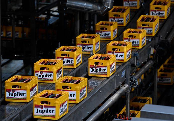 Bakken met Jupiler in de brouwerij van AB InBev in het Luikse Jupille.
