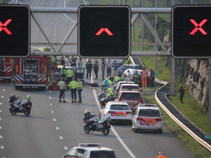 Bij een ongeluk bij het einde van de spitsstrook op de A12 bij Zoetermeer waren in april vorig jaar zeker drie auto's betrokken.
