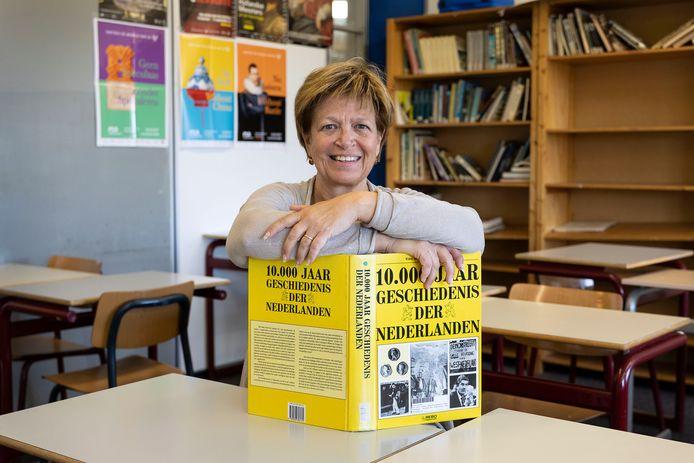 Meia Otten is genomineerd als geschiedenisdocent van het jaar.