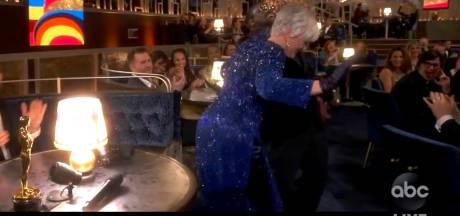 Glenn Close, 74 ans, met le feu en twerkant aux Oscars