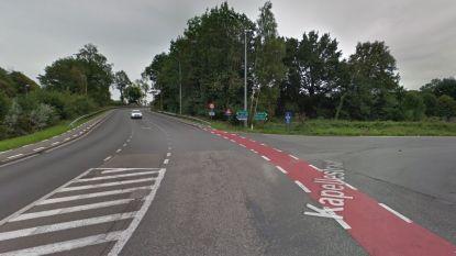Motorrijder (41) zwaargewond na botsing in Hertsbergsestraat