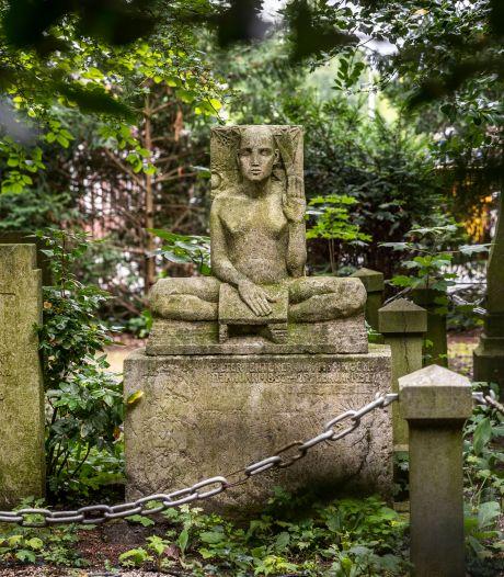 BuitenBeelden: Mysterieuze man op Helmondse begraafplaats