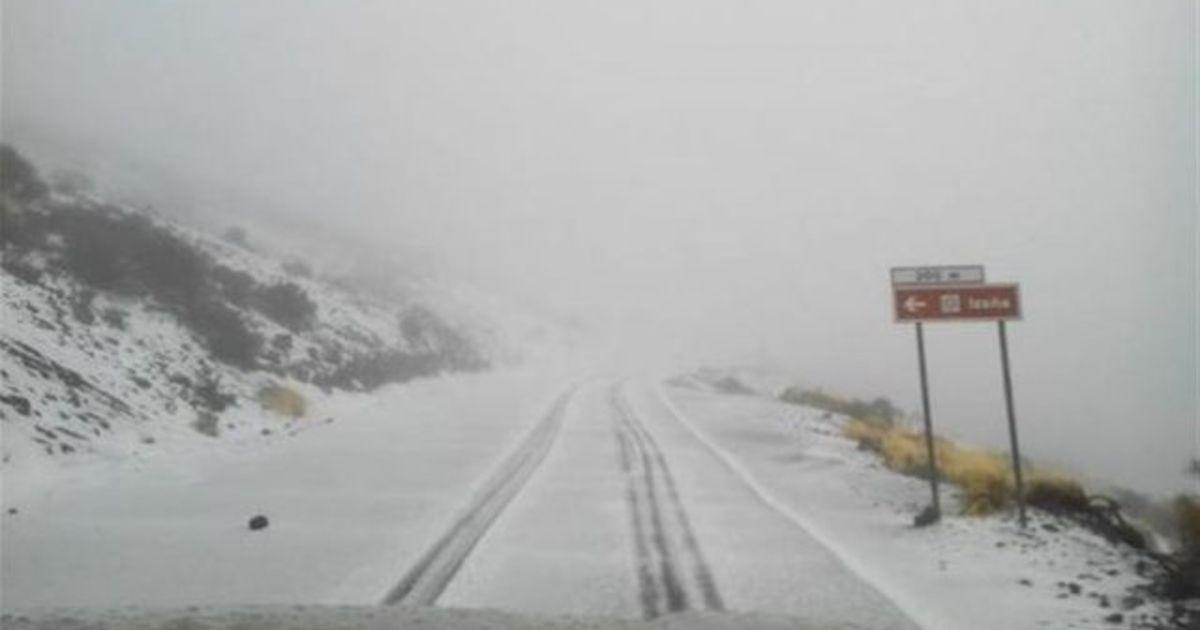 Niet alledaagse beelden: het sneeuwt op de Canarische ...