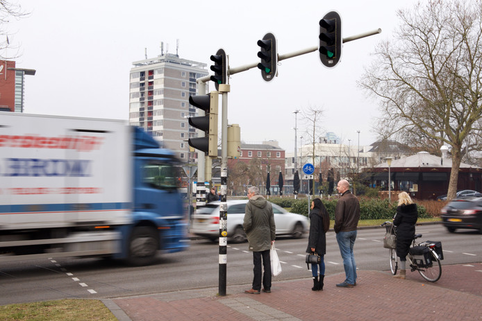 De vuilste plek van Arnhem, de Velperbuitensingel.