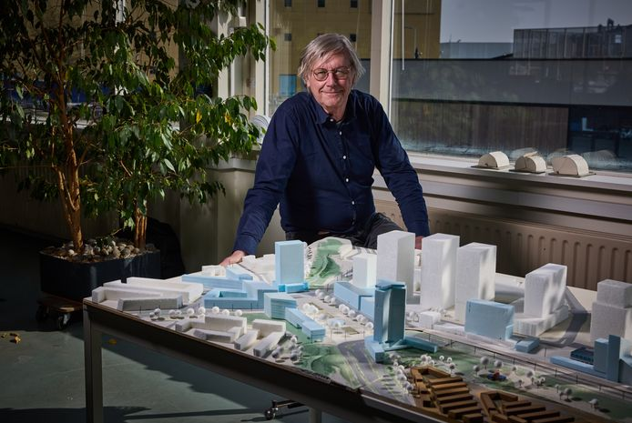 Architect Michiel Versteegh wil van het onaantrekkelijke Marconiplein een behaaglijk stadscentrum maken.