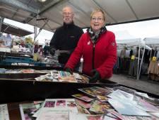 Jannie en Lin stoppen na veertig jaar op de markt in Duiven: 'Voor de klanten is het een ramp'