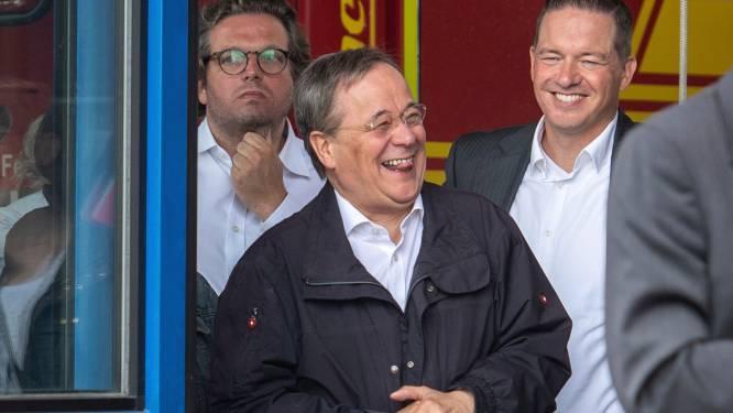 Le probable successeur de Merkel s'excuse après un fou rire inapproprié