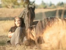 Paarden zijn een dure hobby, weet Daniëlle (40): 'Vakanties kunnen niet'