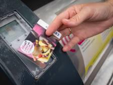 Eén zak in afvalcontainer laten dalen, vier zakken betalen