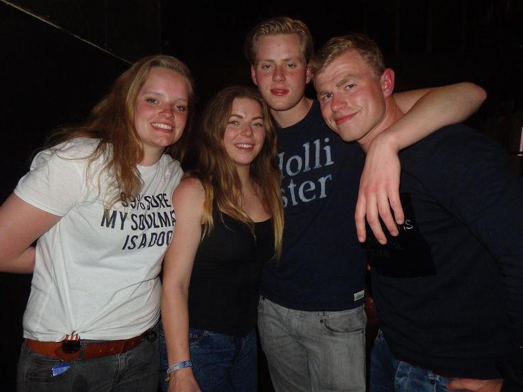 Hoeveelste zijn Megan Proper en Lena Timmermans (Hogeschool Utrecht) geworden? 'O, dat weten we niet.' Marcus de Vries en Bram van Ooijen (Iva Driebergen): 'Wij wel! Laatste' Beeld Schuim