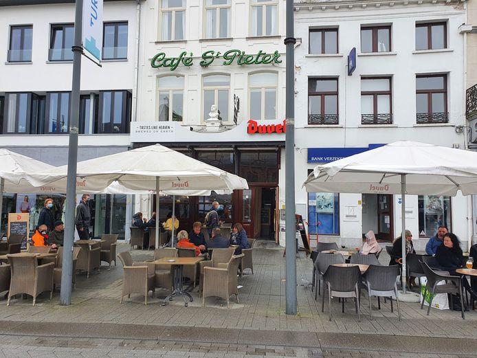 Café Sint-Pieter op de Grote Markt in Turnhout