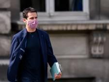 Nollet avoue qu'il ne respecte pas la bulle sociale, tollé au sein de la classe politique