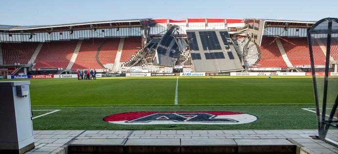 Vorig jaar augustus stortte een deel van het dak van het AZ-stadion in.