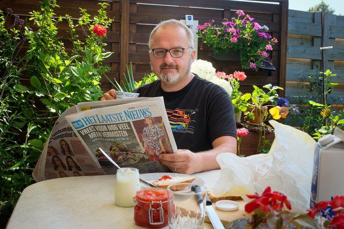 Guy Callebaut thuis in Sint-Stevens-Woluwe aan de ontbijttafel
